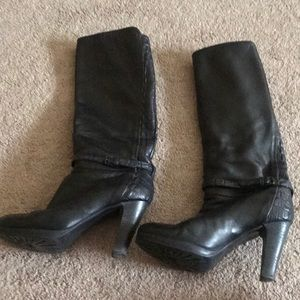 Shoes - Beautiful Italian boots size 38